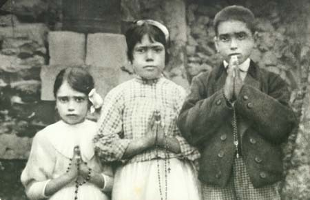 Fatima_Children-Jucinta-Lucia-Francisco.jpg