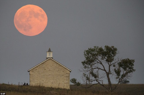 kansas-blood-moon.jpg