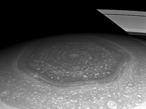 saturn-polar-hexagon.jpg